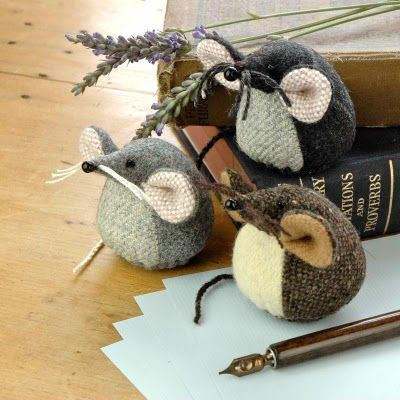 Mouse Paperweights These are adorable!.... could also be pin cushions