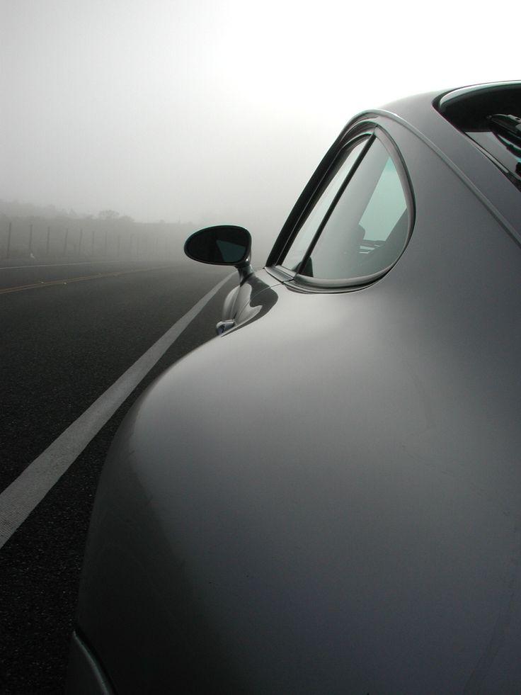Porsche 911. Irresistible curves.