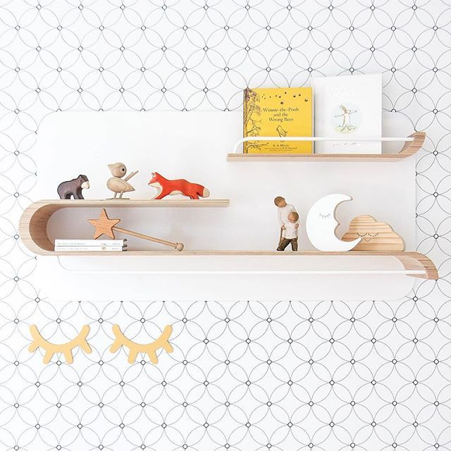 We can't get enough of this stunning nursery by Top Knot Mum 😍 #shelfie #wallpaper #kidsdecor #decor #interiordecor #interiordesign #removablewallpaper #selfadhesivewallpaper #kidswallpaper #nursery #nurserydecor #nurseryinspo #nurserywallpaper #walldecor
