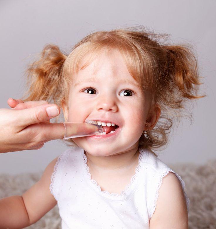 """""""Os cuidados com os dentinhos dos bebês devem começar já durante a gravidez"""", alerta o dr. Fabio Bibancos, especialista em odontopediatra do Instituto Bibancos de Odontologia. """"É quando os pais devem buscar orientações de um especialista para se conscientizar da importância da higiene bucal já nos primeiros dias de vida."""" O aleitamento materno, além de garantir...<br /><a class=""""more-link""""…"""