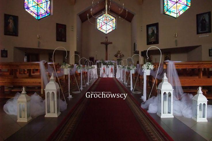 dekoracja kościoła w Człuchowie dekoracje kościołów Człuchów ślubna alejka dekoracje ławek