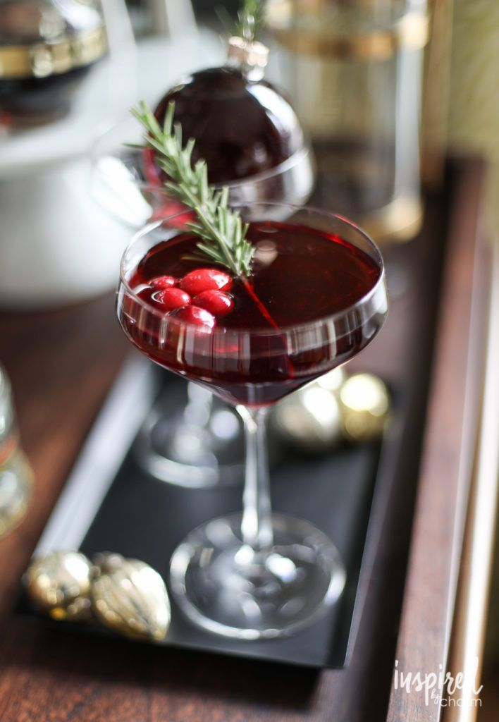 Very Merry Ornamentini holiday cocktail martini recipe #christmas
