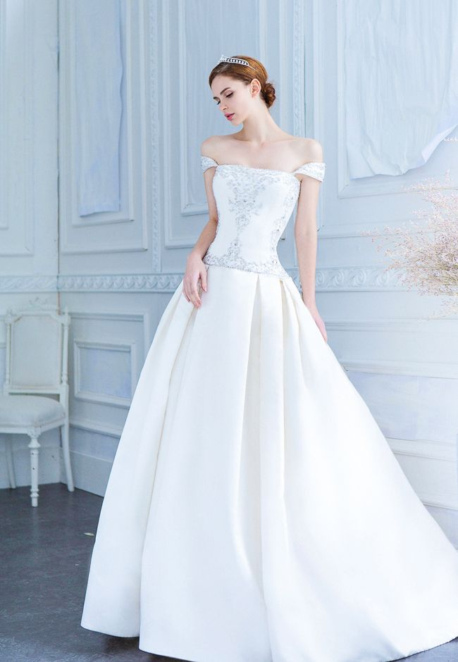 Simple Yet Stunning Wedding Dresses : Best dresses of a girl s dream on wedding