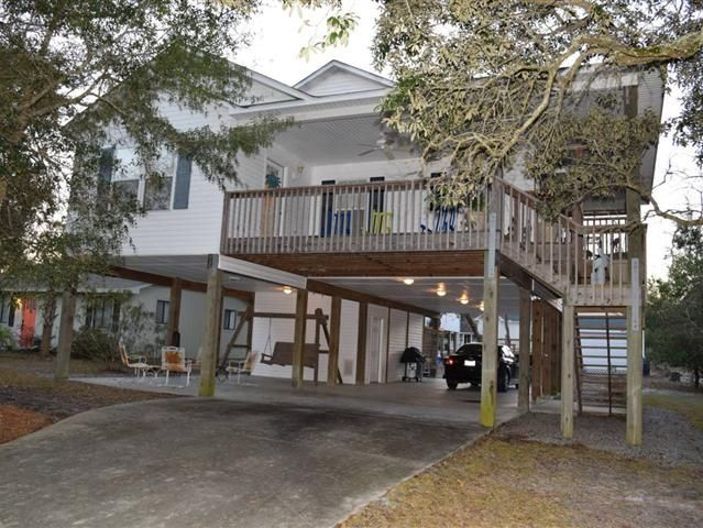 Beautiful bright 3 bedroom 2 bath home on pilings just for Island house plans on pilings
