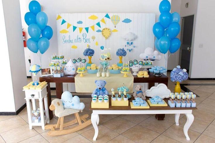 Olha que amor este Chá de Beb u00ea com o tema Balões e Nuvens Decoraç u00e3o Cuore Festas Lindas ideias  -> Decoração Chá De Bebê Nuvem