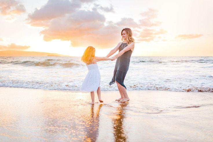 Beautiful sunset beach family photography session on Maui, Hawaii. Waialea-Maken… – Wilde Sparrow Photography Co | Big Island Hawaii Family and Couples Photographer