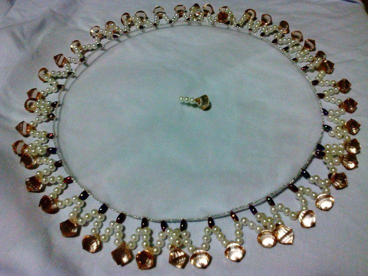 cobre jarras em pedrarias