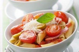 Este o reteta de salate de paste foarte usor de preparat, perfecta pentru o cina de vara. RECIPE