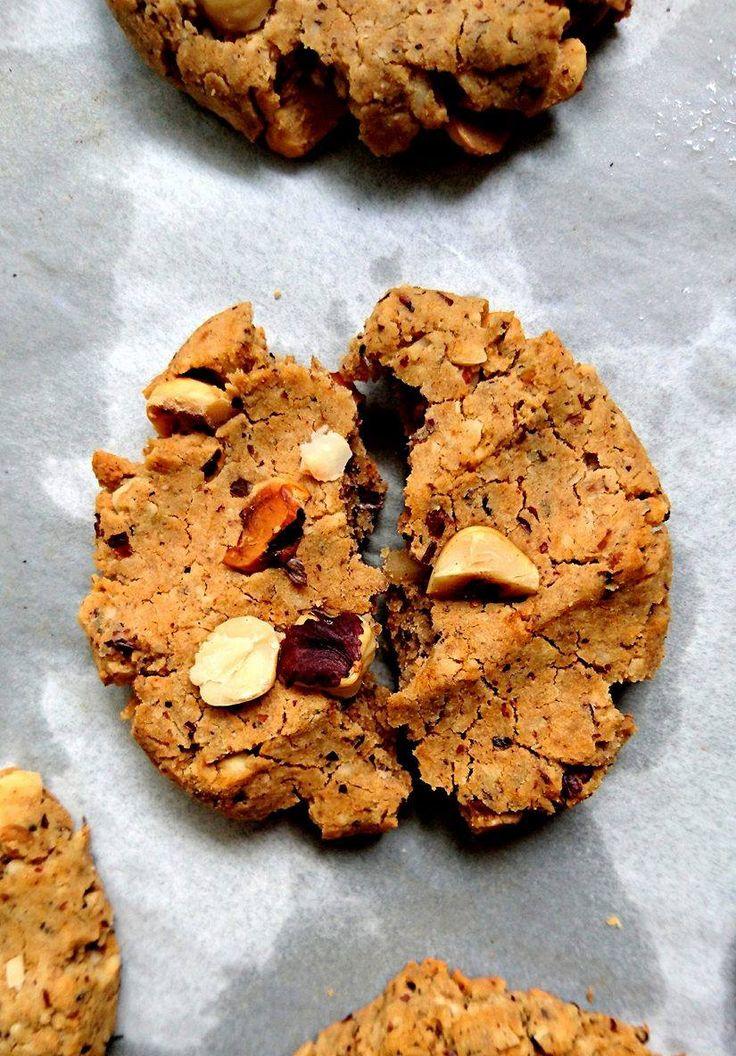 Cookies vegan et sans gluten aux noisettes grillées. Allégés en matières grasses et en sucres pour se faire plaisir sans restriction !
