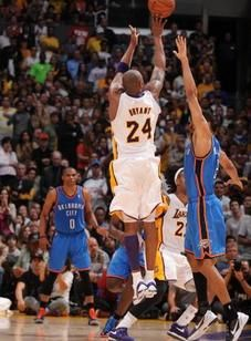 Trovão Lakers vs.