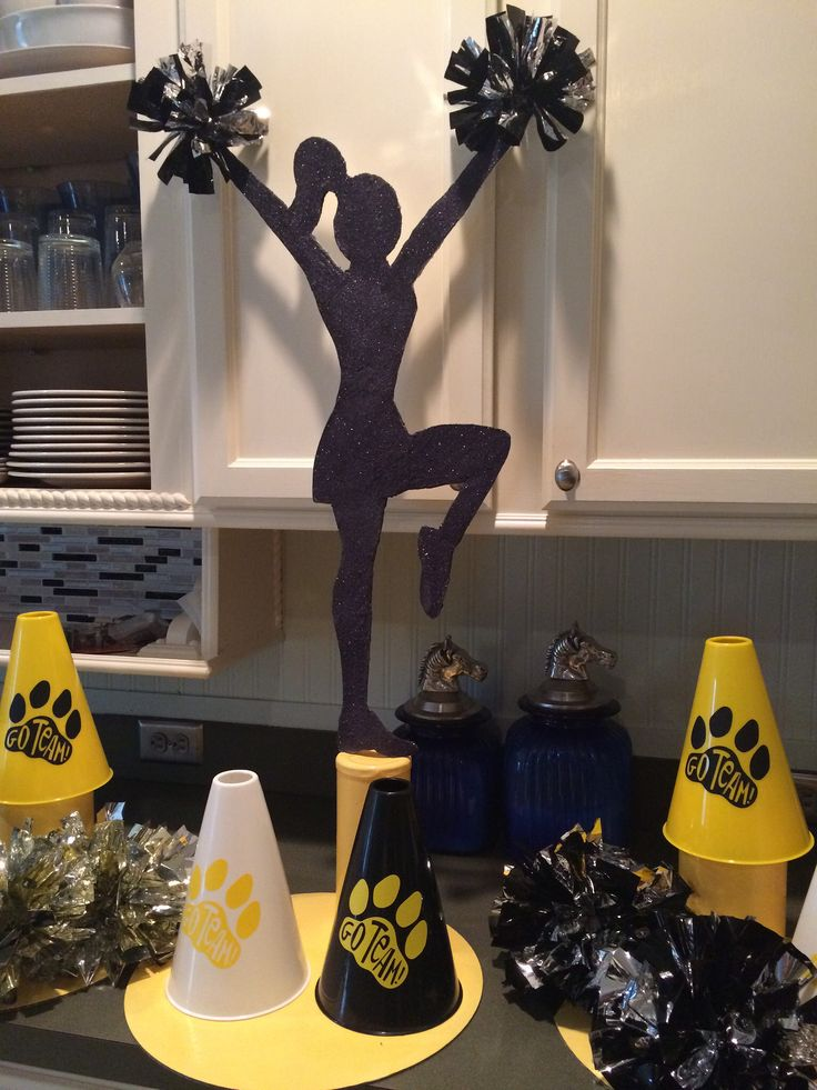 1000 ideas about cheer party on pinterest cheer for Cheerleading decorations