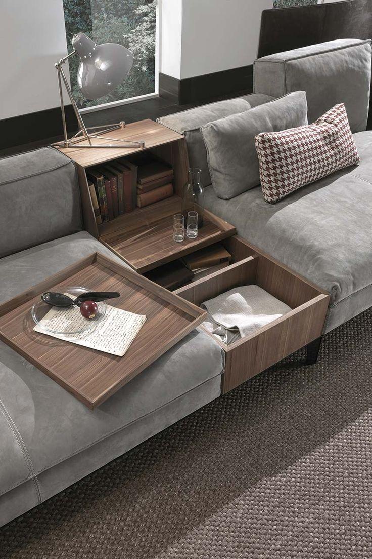 Giochi di volumi, divisori, tavolini, scomparti nascosti: il modello Taylor, disponibile in due profondità e con  ...