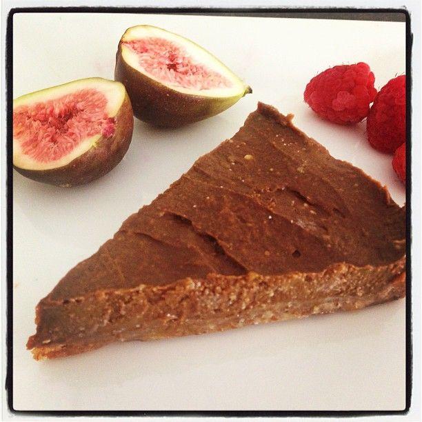 Raw Chocolate Fig Cake  #rawfood #rawfoods #chocolatefigcake #katrinaellisnd #katrinaellis