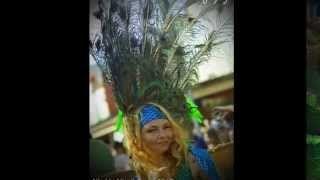 Desi Lou Photography - YouTube