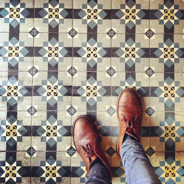 : Bold Patterns, Desert Boots, Tile Patterns, Decor Fashion, Interiors, Tile Floors, Floors Design, Cement Tile, Vintage Style
