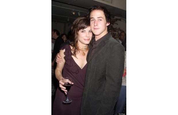 Sandra Bullock and Ryan Gosling Dated: 2002-2003  Before Sandra Bullock marriedJesse James, her ex-husband slash serial cheater slash scumb...