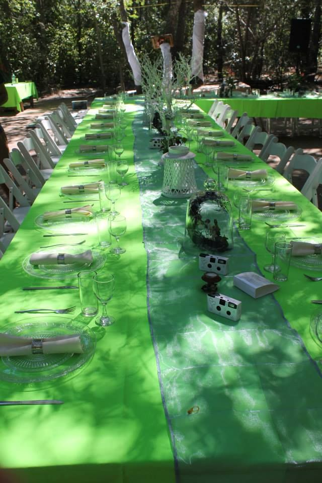 Love the long tables:)