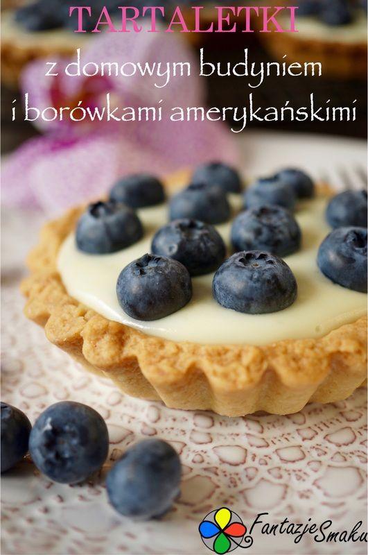 Tartaletki z domowym budyniem i borówkami amerykańskimi http://fantazjesmaku.weebly.com/blog-kulinarny/tartaletki-z-domowym-budyniem-i-borowkami-amerykanskimi
