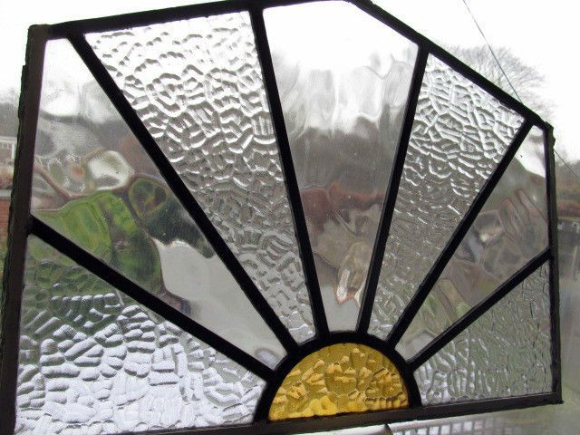 LOVELY GENUINE 1920s 30s ART DECO SUNBURST  STAINED GLASS WINDOW  - SIDCUP KENT