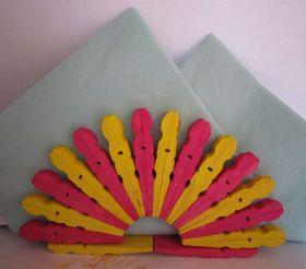 Basteln mit Wäscheklammern aus Holz - Serviettenhalter, Brief- oder Zettelhalter