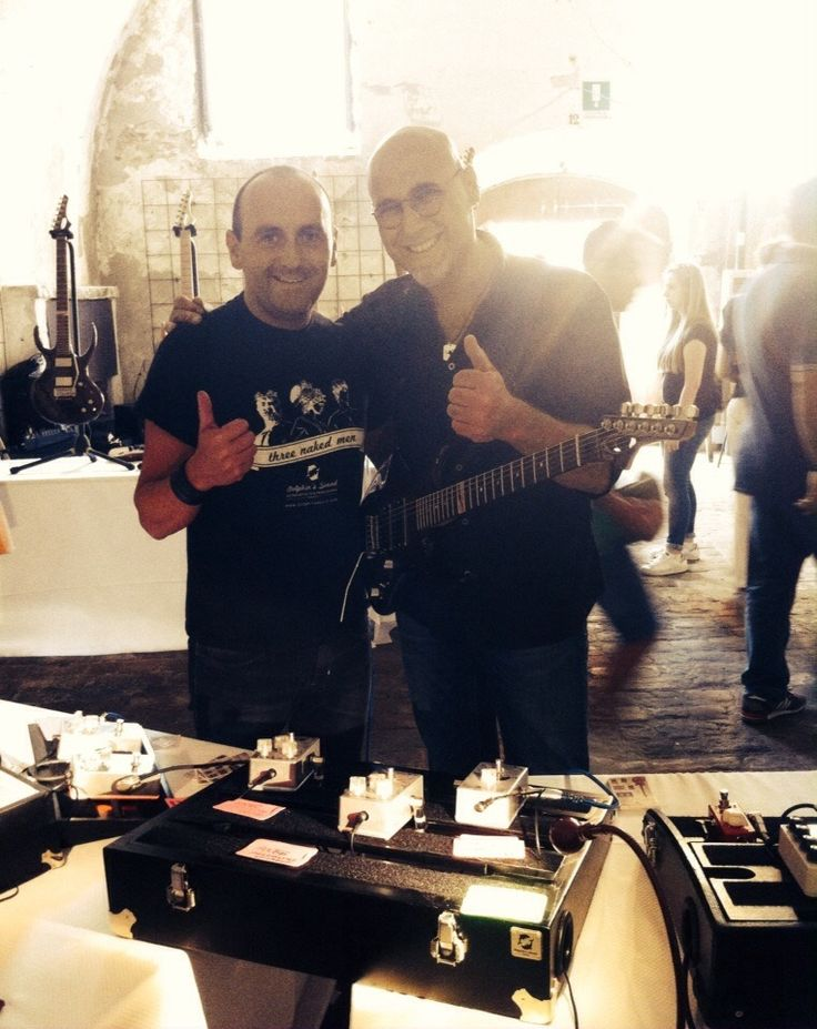 "Grazie a Salvo Correri Musician che ha fatto un ""giro"" sulla nostra effettistica durante il Music Wall Centro Musica Pizzighettone. ONORATI!!!!! ""Rock on Salvo!!!""  Thanks to Salvo Correri thanks for trying our products during the fair Music Wall.""Rock on Salvo!!!""  ‪#‎guitareffects‬ ‪#‎pedalboards‬"