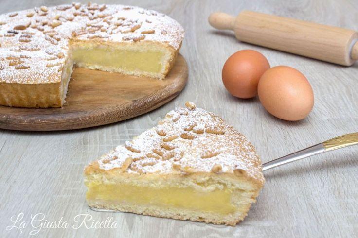 Torta della nonna - La Giusta Ricetta - Ricette semplici di cucinaLa Giusta Ricetta – Ricette semplici di cucina