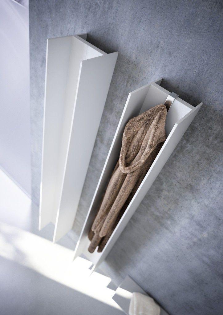 Nietypowe grzejniki łazienkowe, kształtem przypominają teowniki, aluminiowy grzejnik na ręczniki, Serie T, firma Atrax IT, projekt Matteo Thun