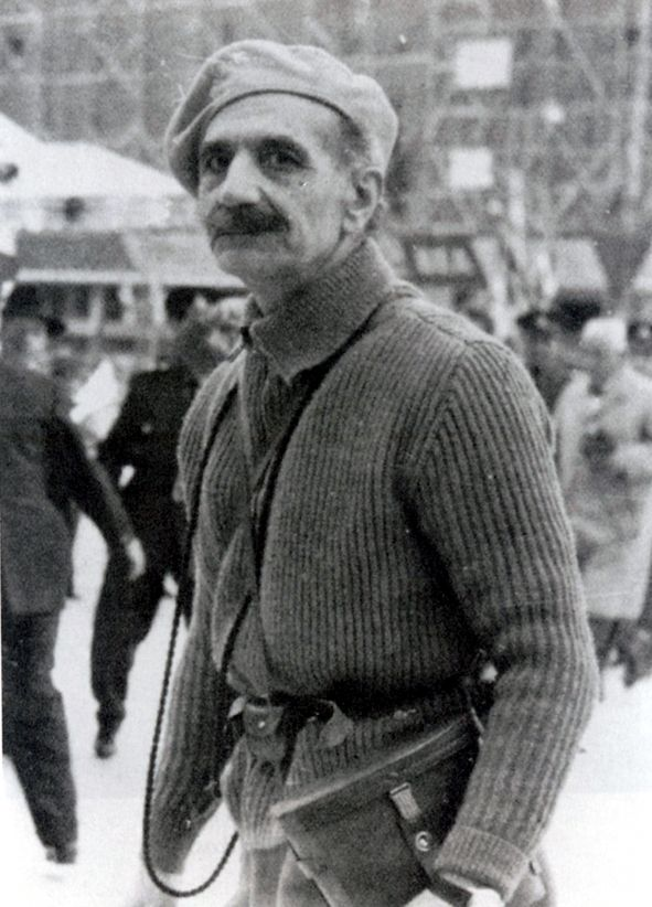 Georgios Grivas:an absolute-absolute lww hero a llww hero,a decorated Balkans war officer as well as minor asia war decorated war veteran!!! An astonishing military officer,for whom to write anything is very very little...  The British SAS had a quite bitterness caused by him during the independence war of Cyprus...  AN ABSOLUTE WAR HERO.