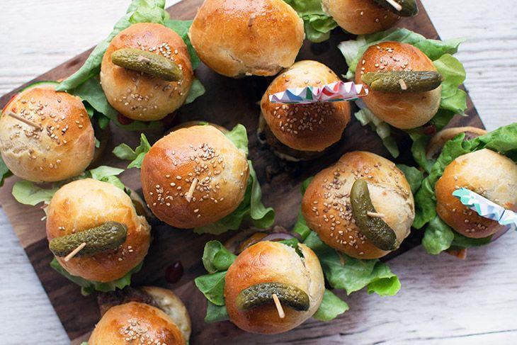 Sliders med brioche burger boller - opskrift - kan også bruges til alm burgere