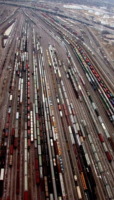 Chicago Train Yard (by lantzilla on Flickr)