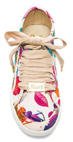 Loving this wild flower sneaker http://rstyle.me/n/ww5tvnyg6
