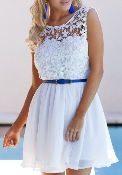 Blanco remiendo del cordón Hueco-hacia fuera de dos pisos drapeado mini vestido
