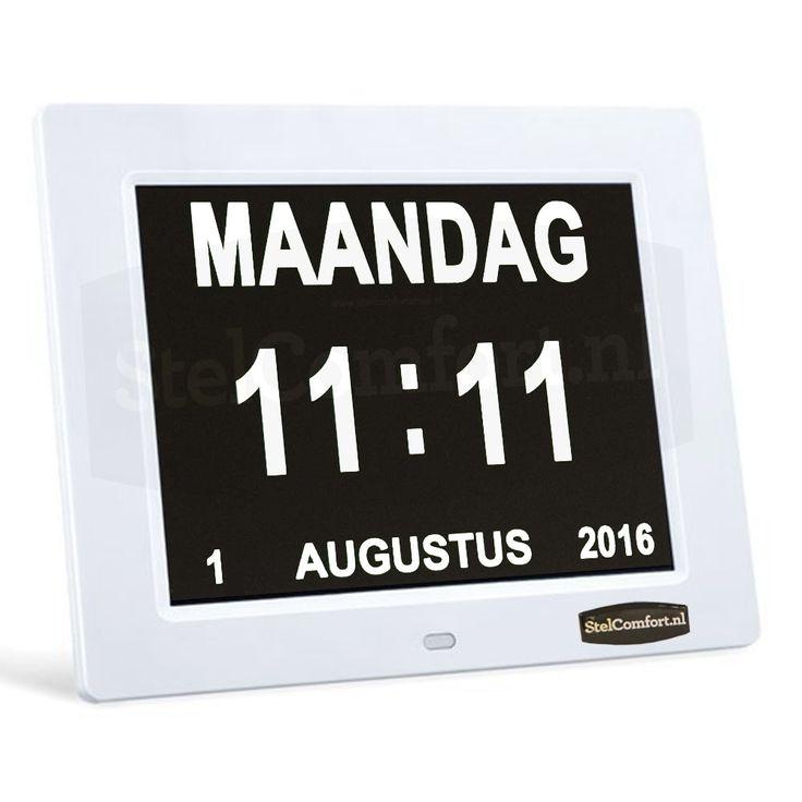 Kalenderklok met datum dag en tijd - Dayclox  Digitale Kalender Dag klok - 8.1Heeft u of iemand in uw omgeving moeite met het bijhouden van de dagen? Vanaf nu hoeft dat geen probleem meer te zijn.Deze kalenderklok geeft automatische de dag datum en de tijd aan. De klok is speciaal ontworpen voor ouderen die lijden aan alzheimer of dementie. Doordat het LED scherm oplichtende letters en cijfers heeft kan de klok tevens dienst doen als nachtlampje. De klok is voorzien van een dimmer die het…