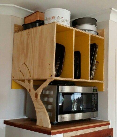 Plywood tray holder with tree bracket - Luke de Hoog