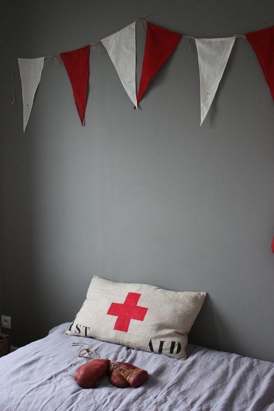 les 98 meilleures images propos de fanions guirlandes sur pinterest feutre produits et. Black Bedroom Furniture Sets. Home Design Ideas