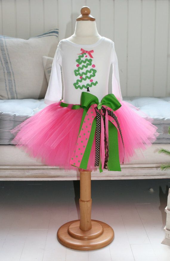 """girlie pink & green tutu. Knot tulle around sewn elastic waistband, then thread ribbon thru a few pieces for """"belt loops,"""" add bow embellishment, and VOILA!"""