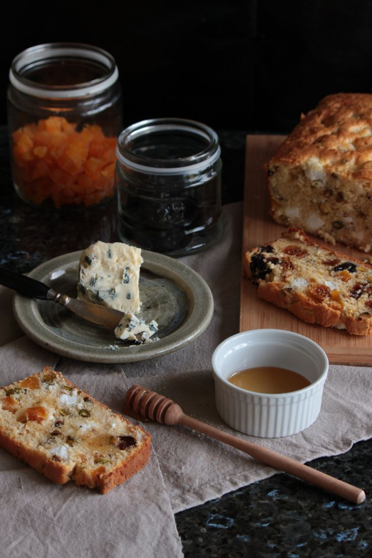 goat's cheese, pistachio & prune cake with smoked fig & apricot @ http://simplehayat.wordpress.com/