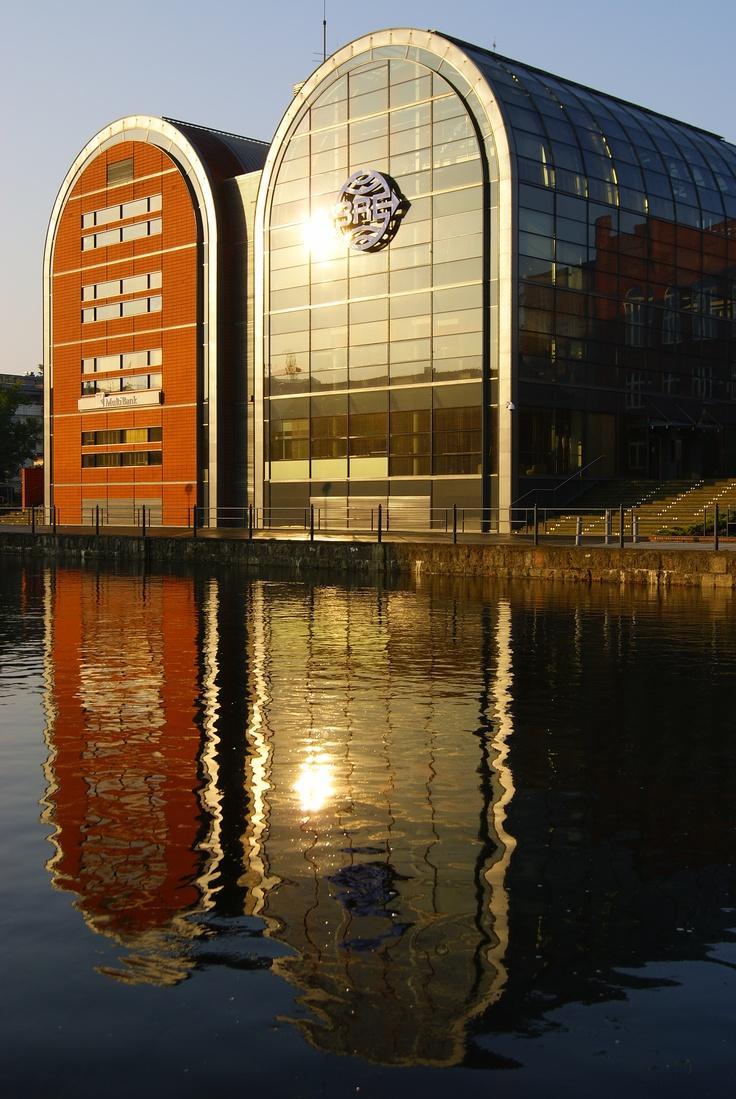 Budynki BRE Banku w Bydgoszczy stylizowane na spichlerze/ BRE BANK branch in Bydgoszcz stylized as granaries