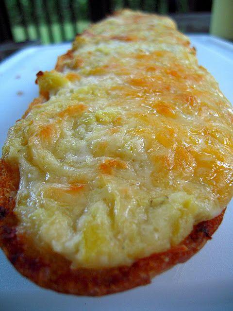 Artichoke cheesy bread