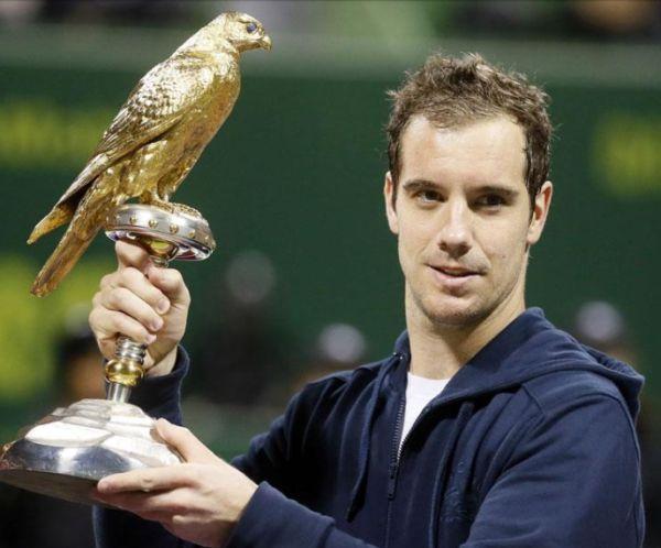 Richard Gasquet cu trofeul cucerit la Doha