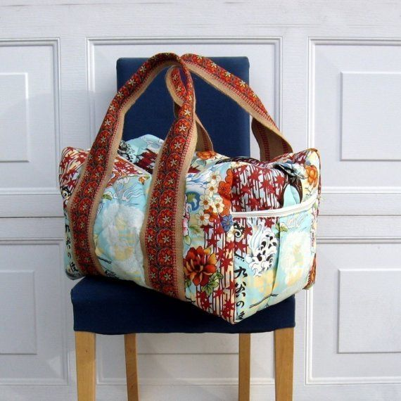 pattern for a travel duffel bag. maybe won't make it with that fabric.