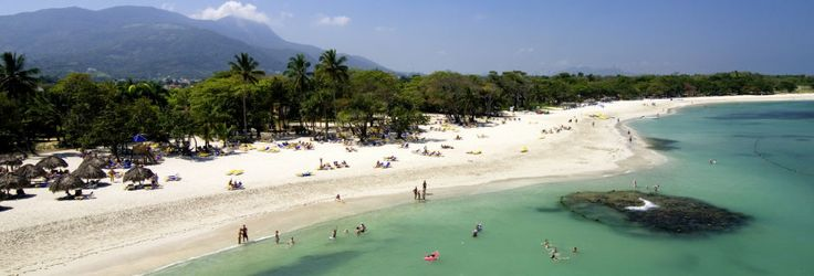 Med ca. 1.200 kilometers kyststrækning og en gennemsnitstemperatur på 26 grader året rundt, er der mange gode grunde til at tage til Den Dominikanske Republik.  Læs mere: http://www.falklauritsen.dk/rejser/central-amerika/den-dominikanske-republik