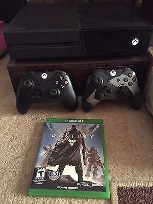 nice Xbox One Bundle 500Gb 2 Controllers & Destiny Game - For Sale