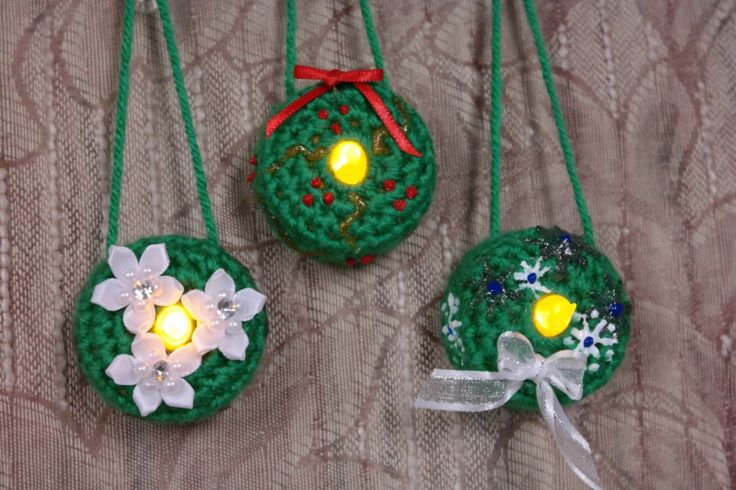 Lighted Wreath Ornament - Free Pattern - Fromm Me To You