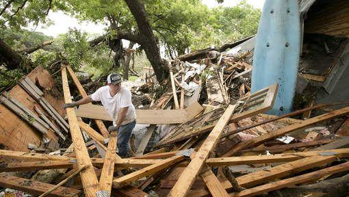Duizenden Texanen op de vlucht voor overstromingen - AD.nl