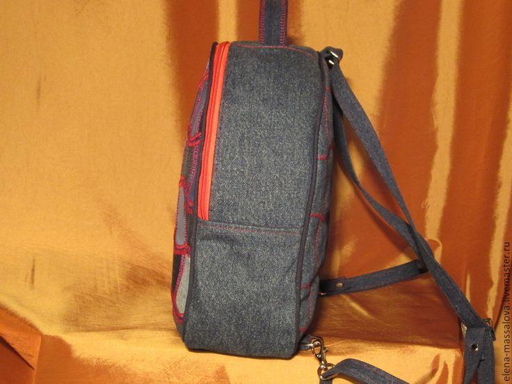 """Купить Рюкзак-саквояж """"Яблочный огрызок"""" из джинсы - печворк, джинсовая сумка, джинсовый рюкзак"""