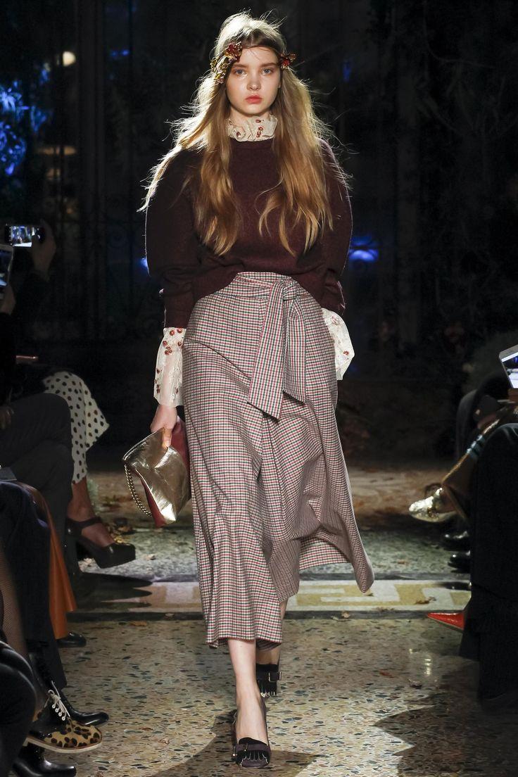 Défilé Luisa Beccaria prêt-à-porter femme automne-hiver 2017-2018 9