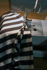 How to make an infinity scarf!  Cool