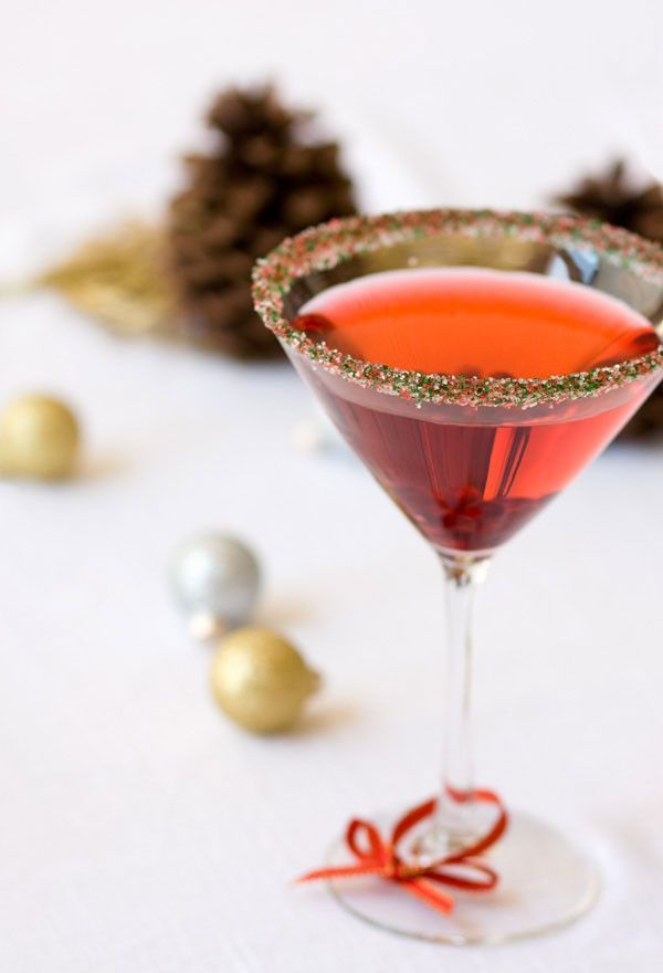 Deck the halls with Dell Cove Spice Co.'s Christmas cocktail rimming sugar, the perfect accent for your holiday drinks and Christmas parties.