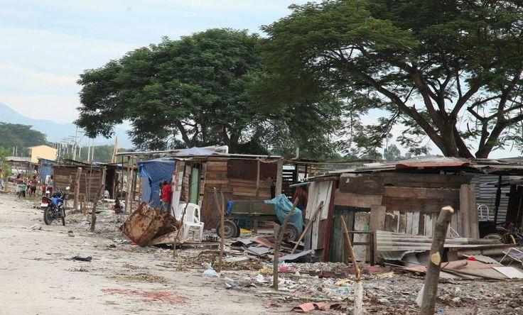 Honduras logró aminorar la pobreza extrema, puesto que este porcentaje pasó de 21.8% en 1990 a 7.7% en 2015 aunque todavía se mantiene arriba del promedio en la región.